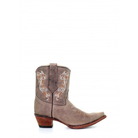 Low Boots - Cowhide Brown Embroidery Snip Toe - Corral Boots